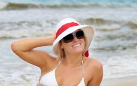 Beach blonde with hat